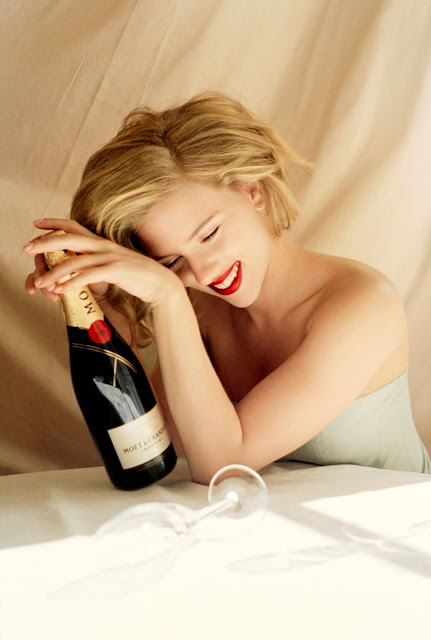 scarlett_johansson-moet-chandon-bottle1