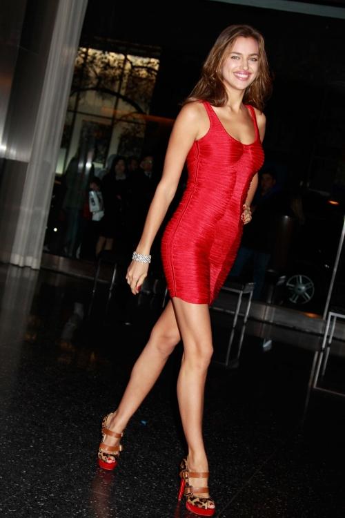 irina shayk red dress pic