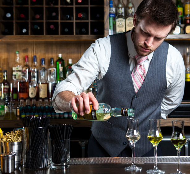 esq-pouring-ribbons-bartender-122012-xlg