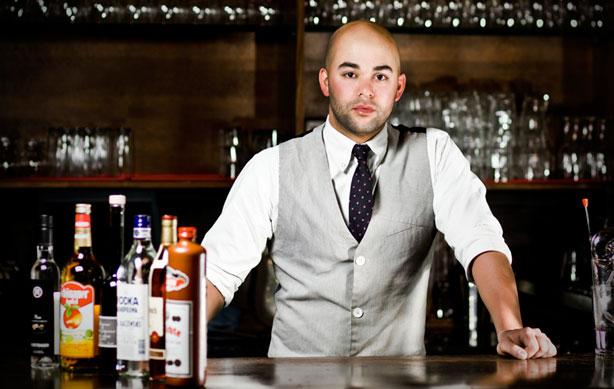 esq-wunder-bar-bartender-053111-xlg1