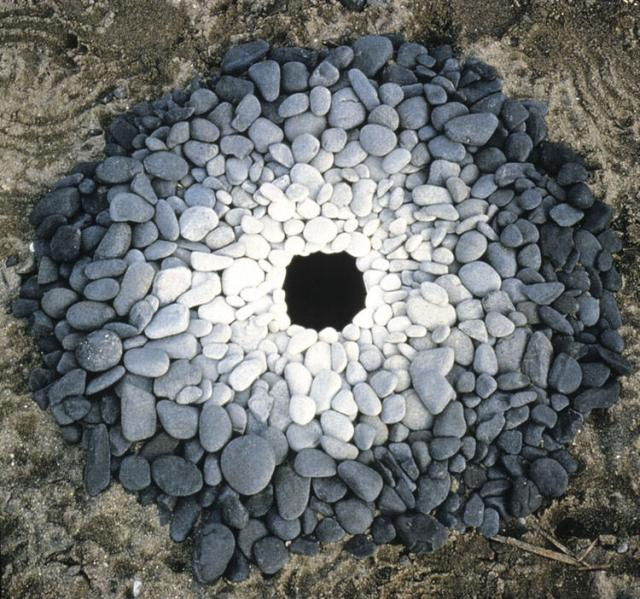 land-art-andy-goldsworthy-1