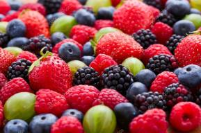 depositphotos_101604704-stock-photo-berries-background-macro